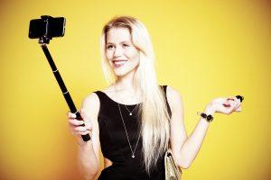 Cara Supaya Tetap Bisa Selfie Meski Memori Smartphone Penuh