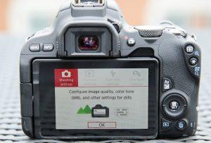 Resmi Dirilis Di Indonesia Kamera DSLR Canon EOS 200D Incar Fotografer Pemula